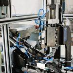 Automatizált alkatrész görgőző berendezés munkadarab ellenőrzéssel