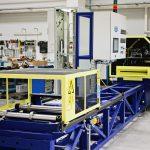 Szénszál erősítésű kompozit alapanyag gyártó gép hidraulikus vezérléssel